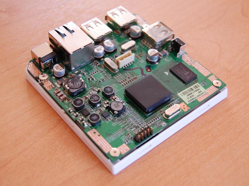 http://ledek.free.fr/photos/hardware/dockstar/DSC_4417s.JPG